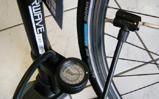 В чем измеряется давление велосипедных шын?