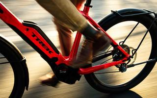 Нужно ли сдавать на права для вождения велосипеда з мотором?