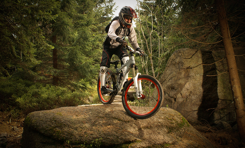 Downhill-Bike-Wallpaper-Photos