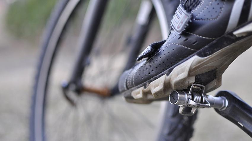 Контактные педали помогут в сохранности колен