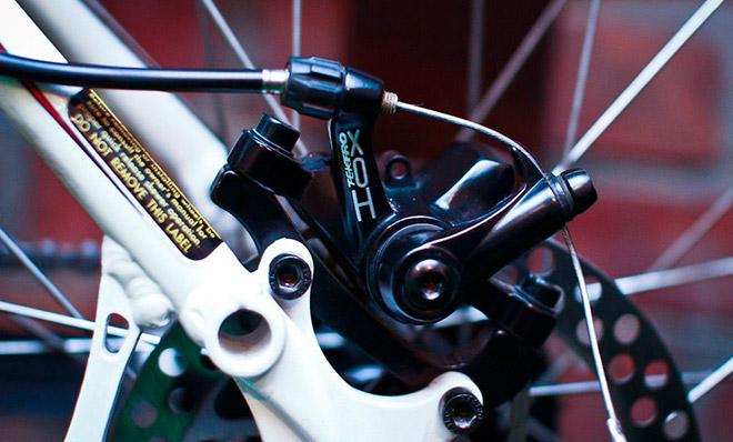Тросик для тормозов велосипеда