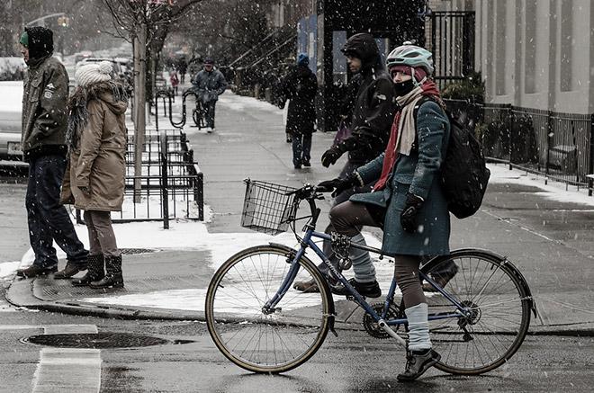 Как передвигаться на велосипеде зимой?