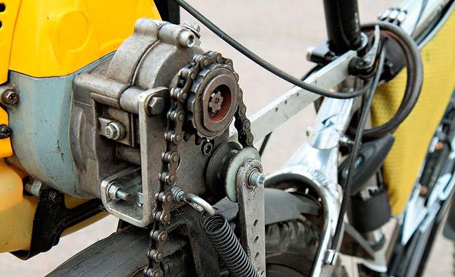 Как установить на велосипед двигатель от триммера?