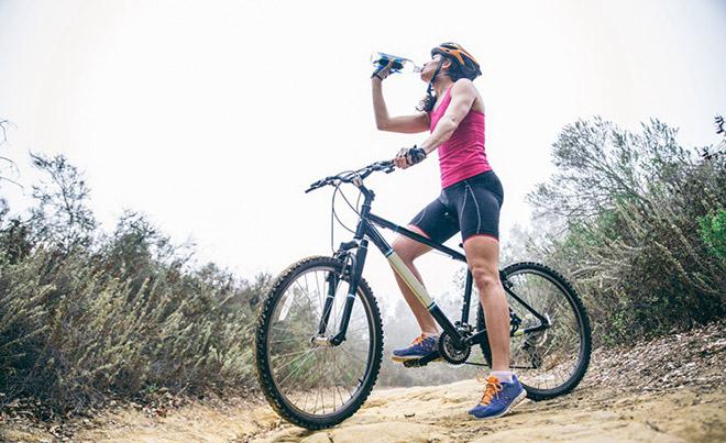 Как выбрать спортивную бутылку для воды?