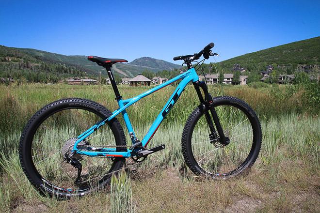 Какие велосипеды выпускает компания?
