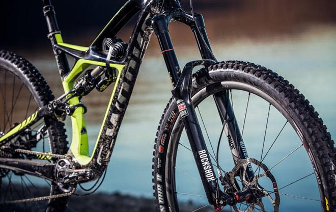 Велосипедная вилка Rock Shox