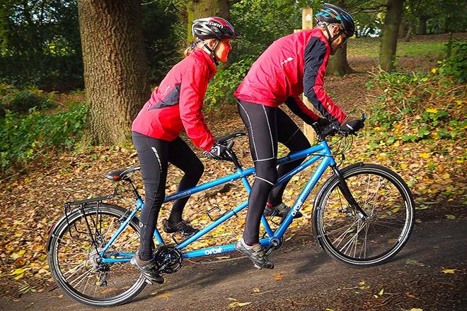 Велосипед с двумя сиденьями